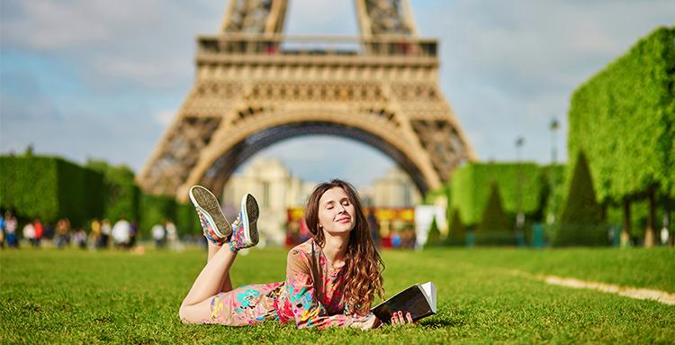 Skaitymas Paryžiuje